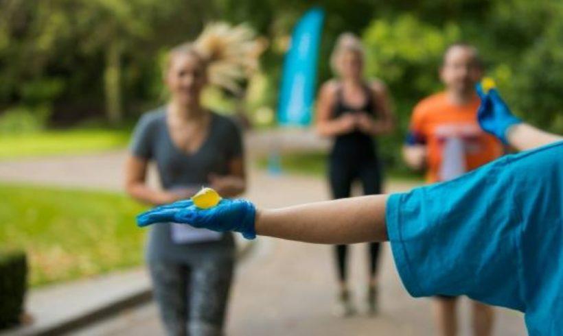 Capsule d'acqua edibili alla maratona di Londra