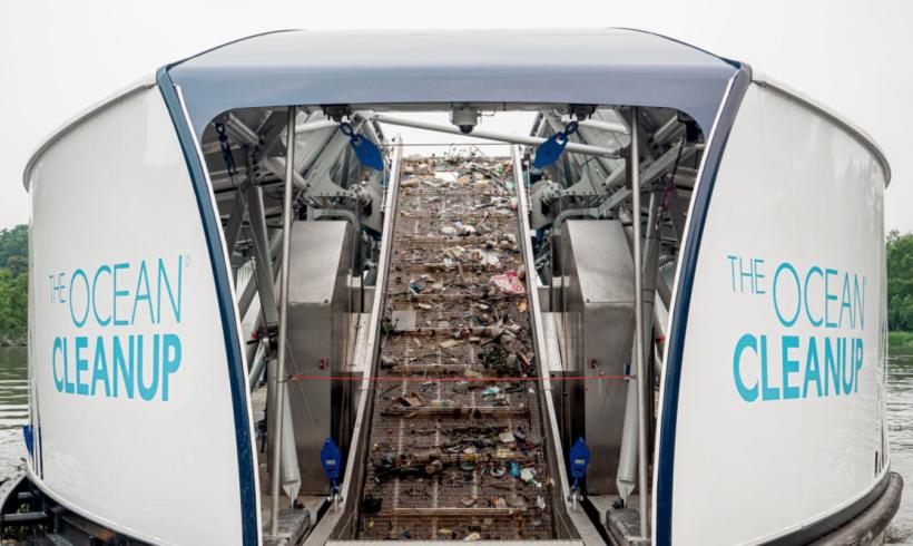 Interceptor, la barca che ripulisce i mari dalla plastica